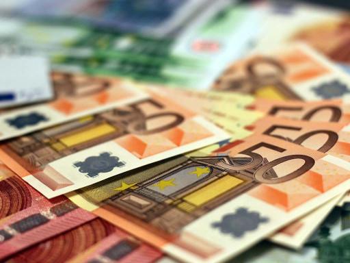¿Cómo abrir una cuenta bancaria en España para residentes y no residentes?